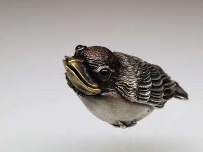 002-1百舌鳥根付(黒)